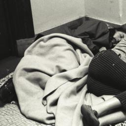 Students sleeping in Fayerw...