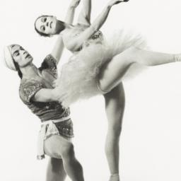 Rudolf Nureyev with Merle P...