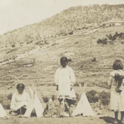 Group of Mescalero Girls wi...
