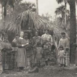 Group of Seminole Indians w...