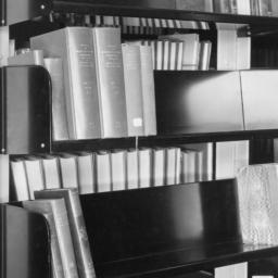 Book Sorting Shelves